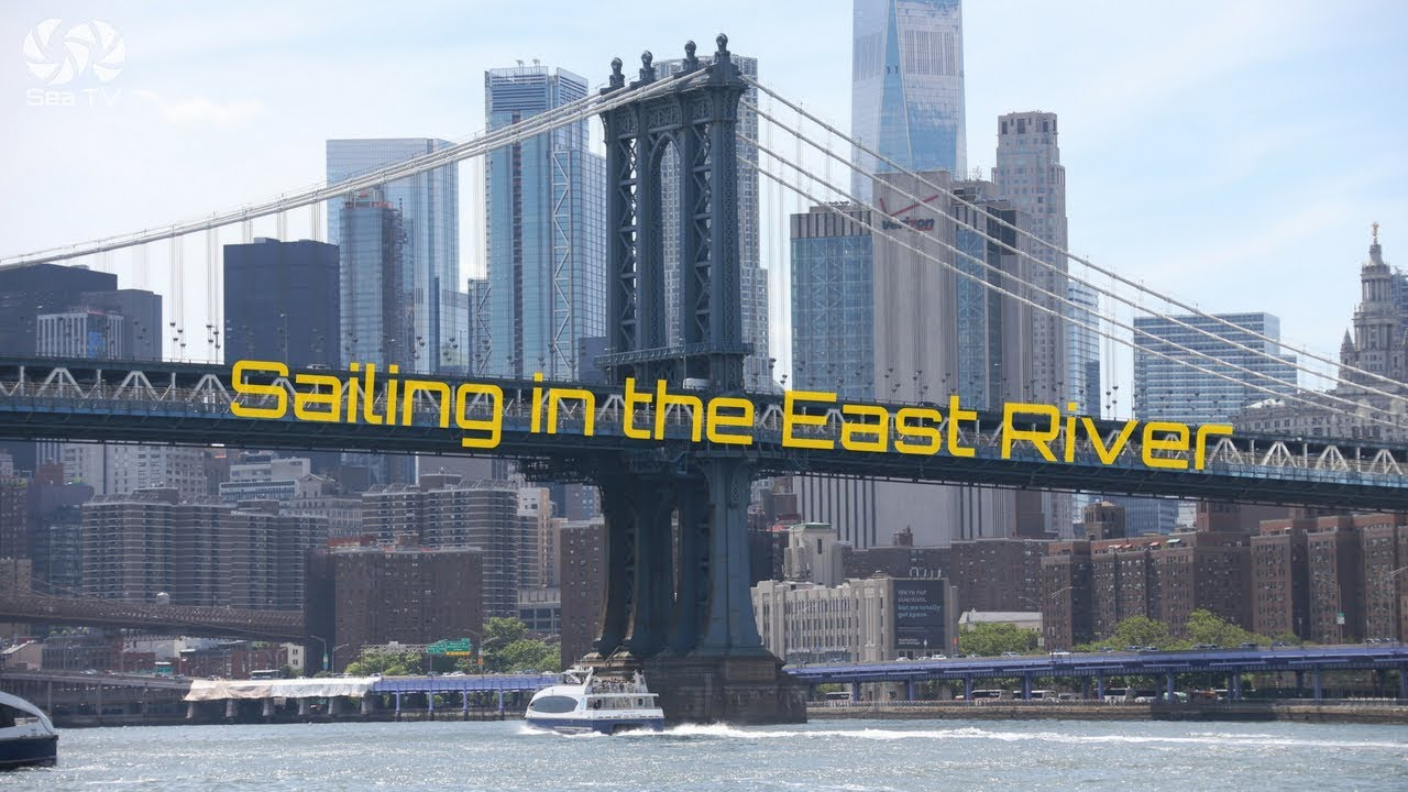 Sailing in the East River of New York