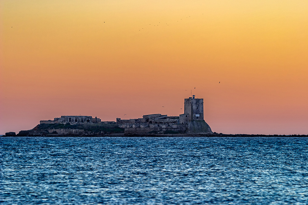 A landscape with the Castle of Sancti Petri